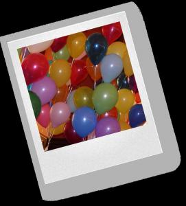 Как еще можно украсить комнату шарами?