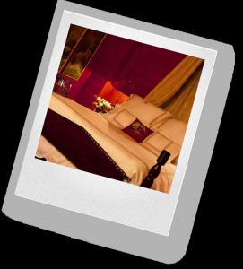 Как украсить комнату для романтического вечера