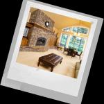 Интерьер зала с камином — в каком стиле выбрать?